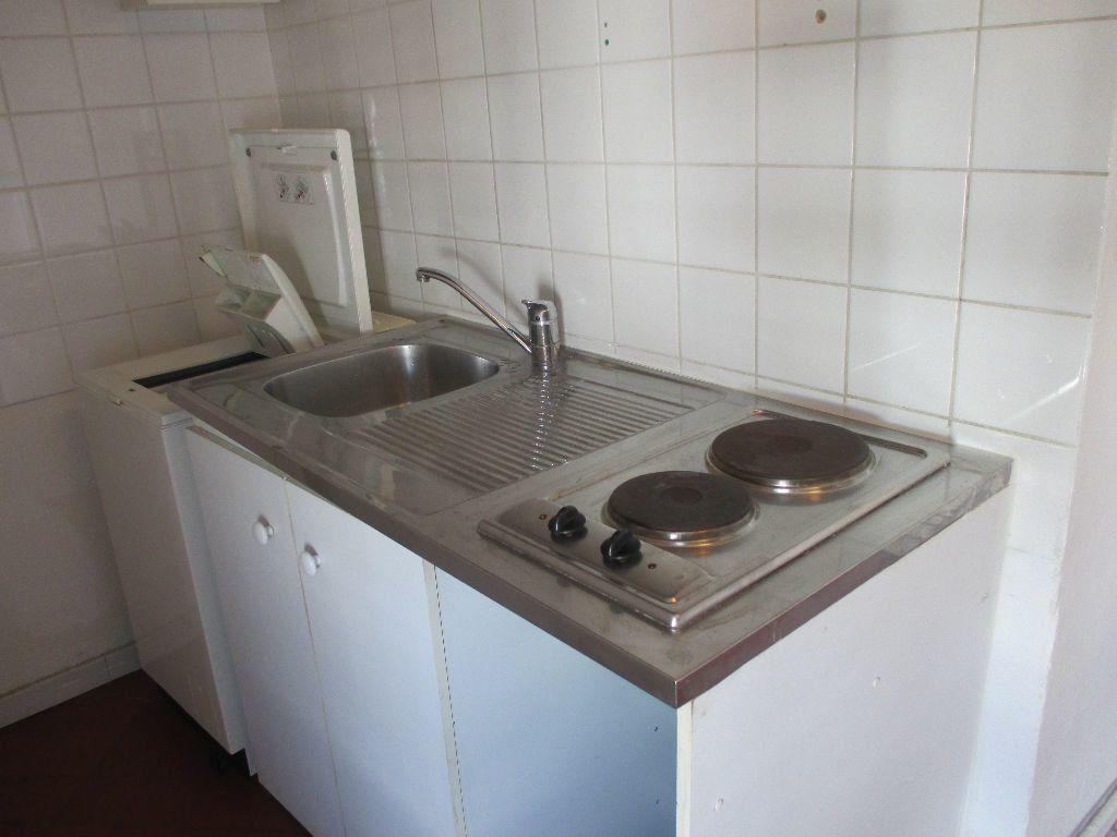 Appartement à louer 2 41.63m2 à Nîmes vignette-2