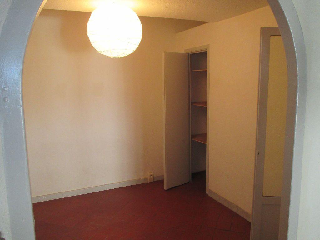 Appartement à louer 2 41.63m2 à Nîmes vignette-5