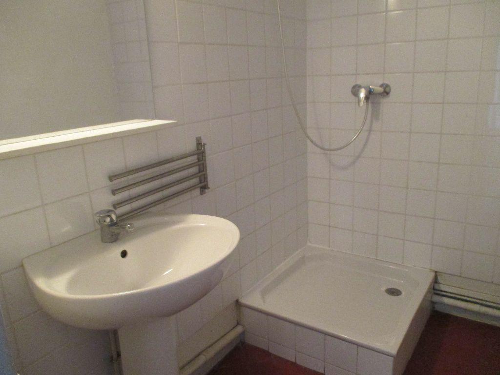Appartement à louer 2 41.63m2 à Nîmes vignette-13