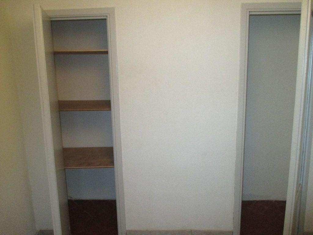 Appartement à louer 2 41.63m2 à Nîmes vignette-14