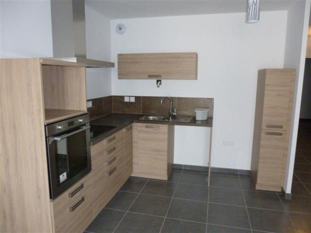 Appartement à louer 3 65m2 à Nîmes vignette-1