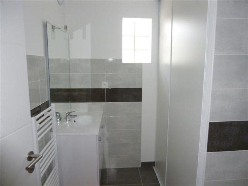 Appartement à louer 3 65m2 à Nîmes vignette-4