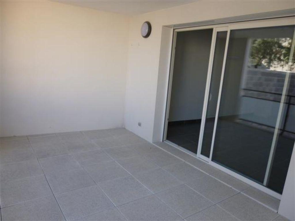 Appartement à louer 3 65m2 à Nîmes vignette-5
