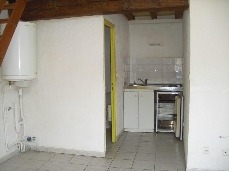 Appartement à louer 1 24.5m2 à Nîmes vignette-3