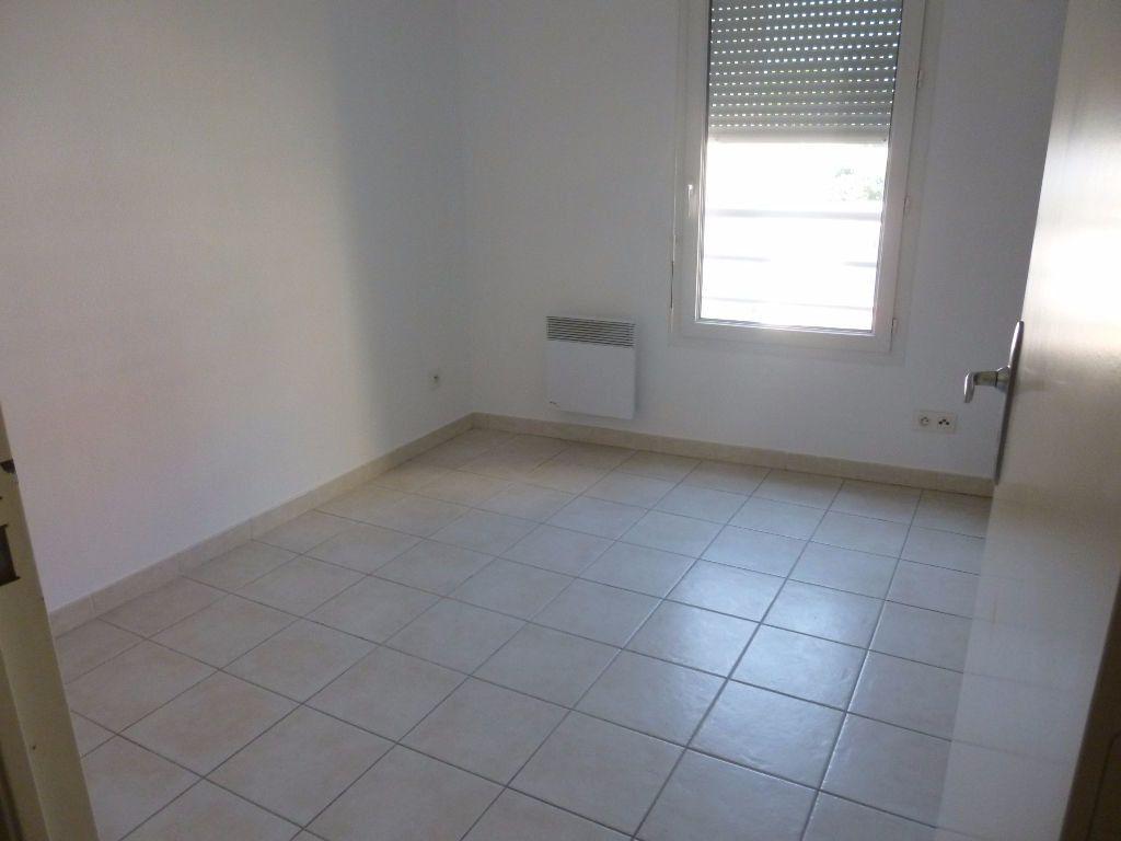 Appartement à louer 2 42.3m2 à Nîmes vignette-6