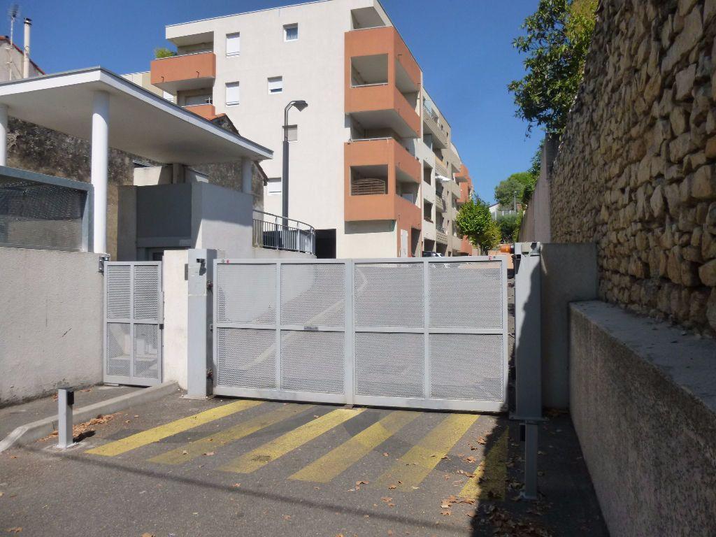 Appartement à louer 2 42.3m2 à Nîmes vignette-12