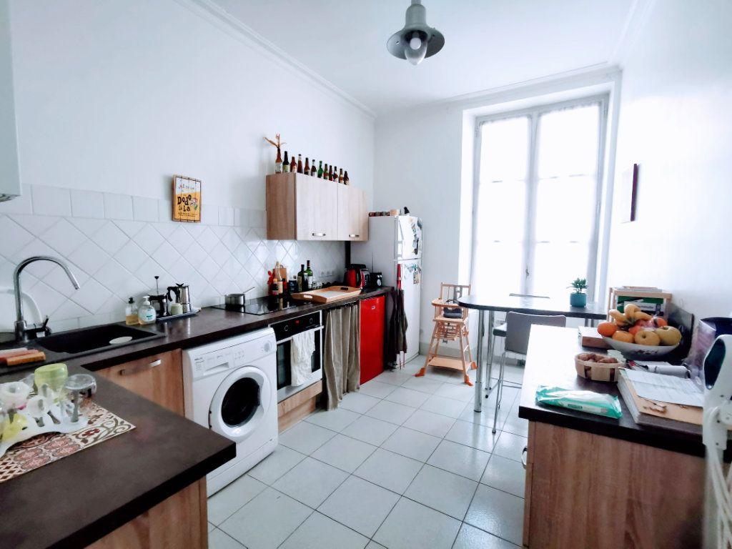 Appartement à vendre 3 82.65m2 à Nîmes vignette-2
