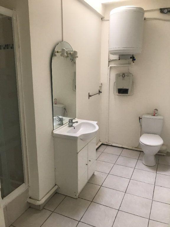 Appartement à louer 2 54.59m2 à Nîmes vignette-5