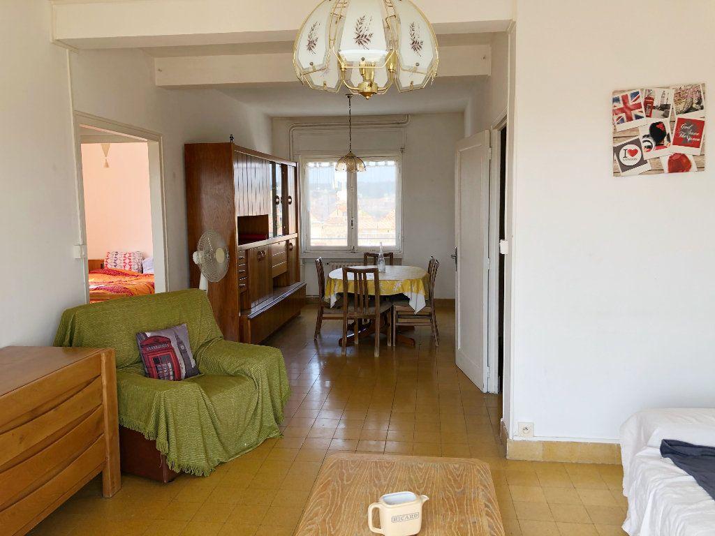 Appartement à louer 3 70.55m2 à Nîmes vignette-3
