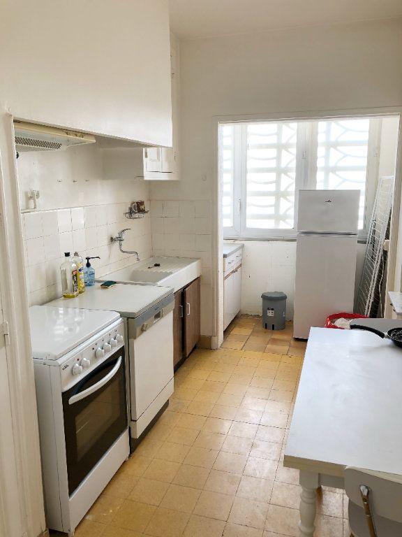 Appartement à louer 3 70.55m2 à Nîmes vignette-4