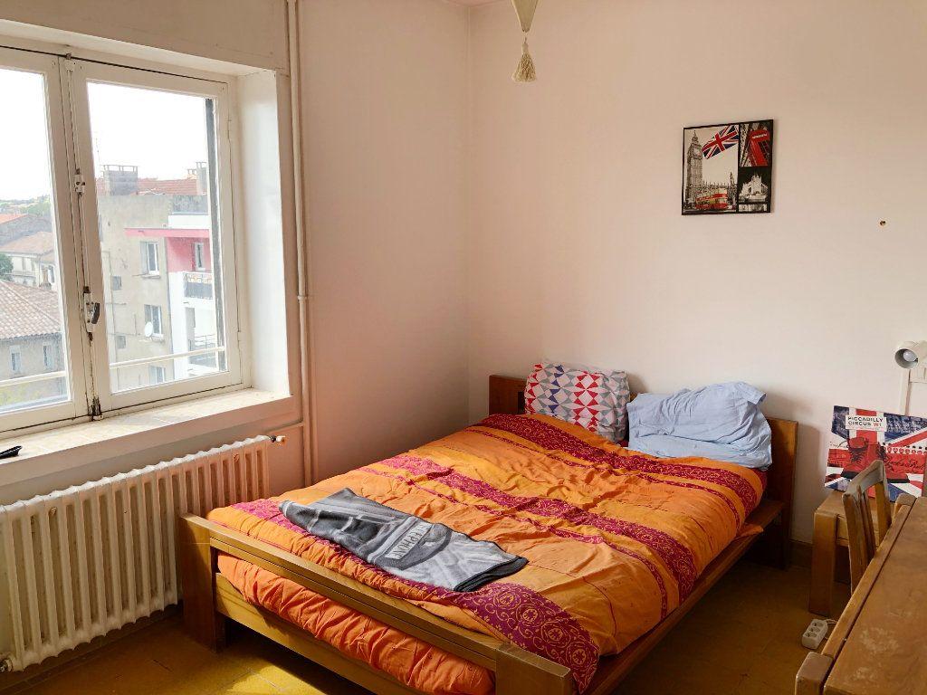 Appartement à louer 3 70.55m2 à Nîmes vignette-5