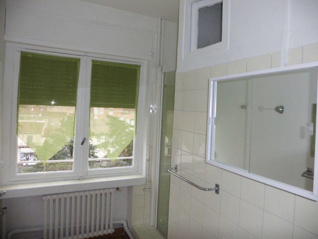 Appartement à louer 3 70.55m2 à Nîmes vignette-7