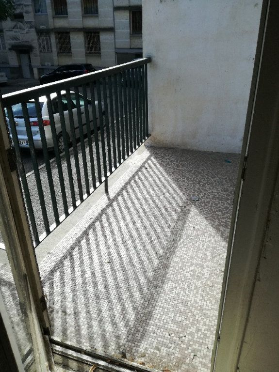 Appartement à louer 3 72.34m2 à Nîmes vignette-4