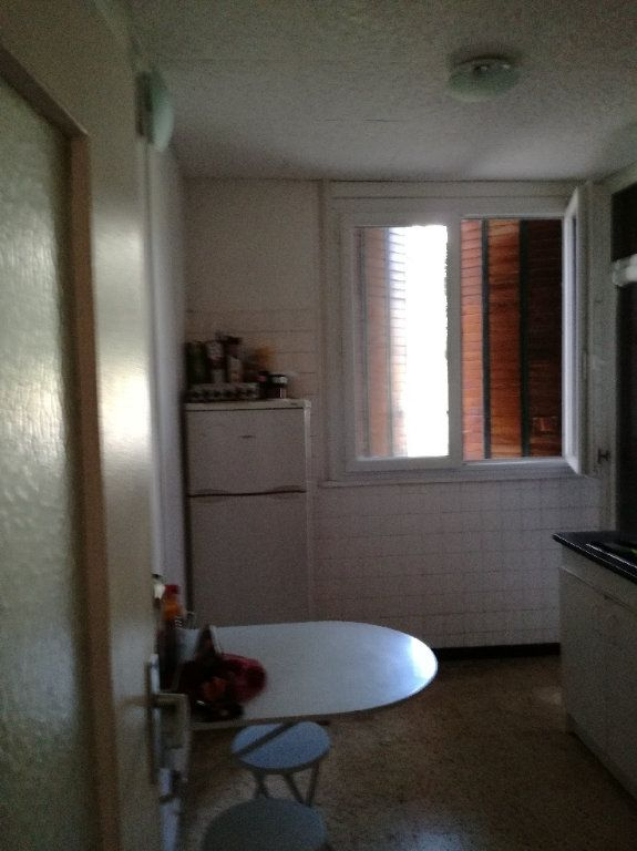 Appartement à louer 3 72.34m2 à Nîmes vignette-5