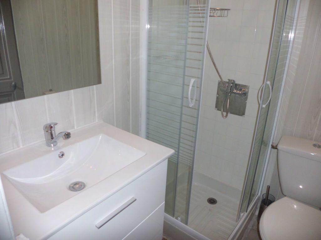 Appartement à louer 1 38.51m2 à Nîmes vignette-5