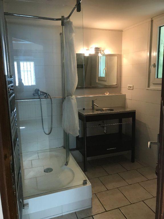 Maison à louer 1 48m2 à Nîmes vignette-6