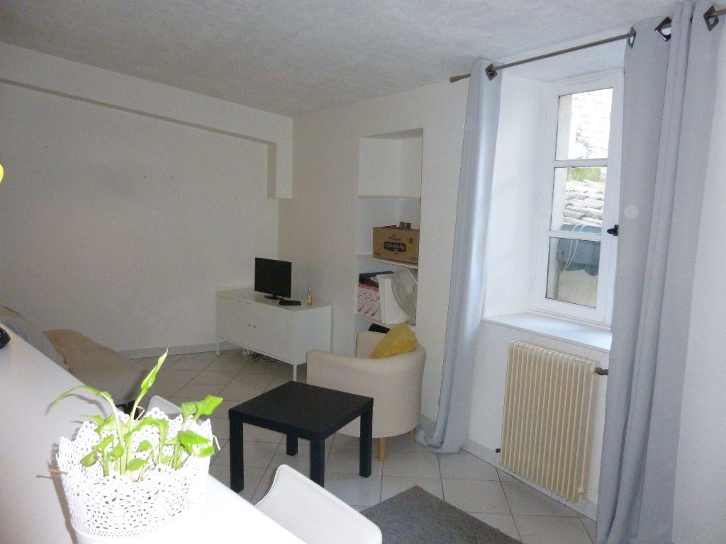 Appartement à louer 1 22.58m2 à Nîmes vignette-2