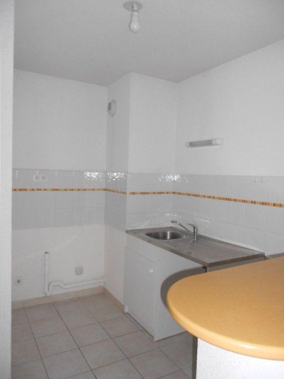 Appartement à louer 2 44.1m2 à Nîmes vignette-3
