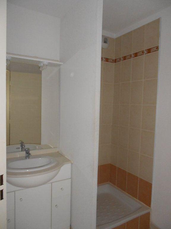 Appartement à louer 2 44.1m2 à Nîmes vignette-4