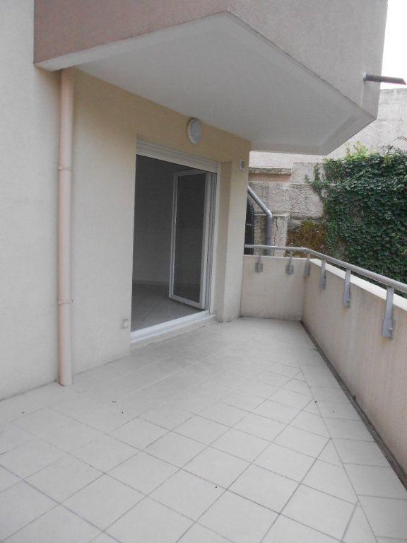 Appartement à louer 2 44.1m2 à Nîmes vignette-5