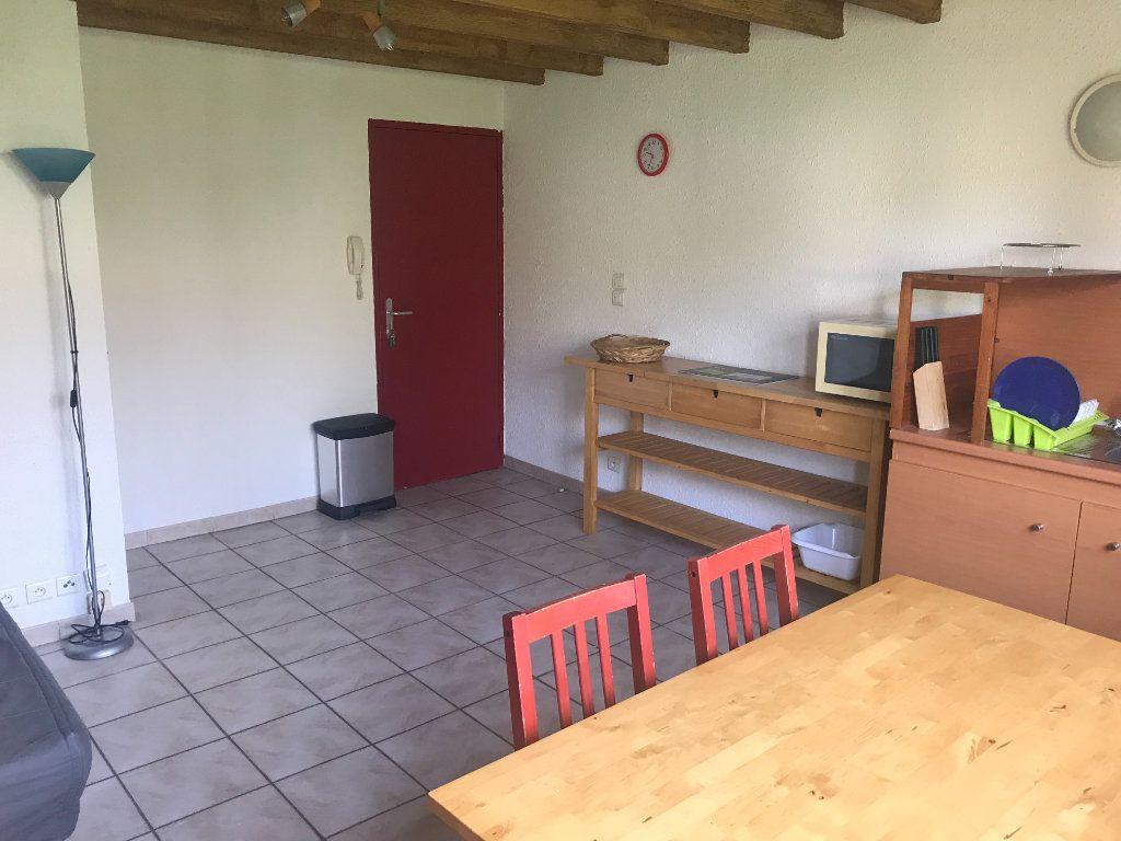 Appartement à louer 2 26m2 à Nîmes vignette-3