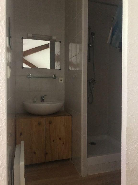 Appartement à louer 2 26m2 à Nîmes vignette-5