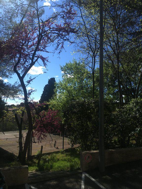 Appartement à louer 3 68m2 à Nîmes vignette-9