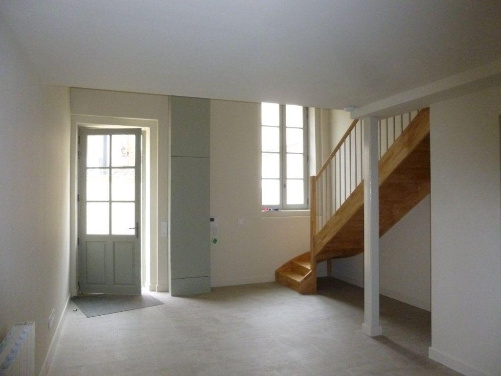 Appartement à louer 2 42.9m2 à Nîmes vignette-3
