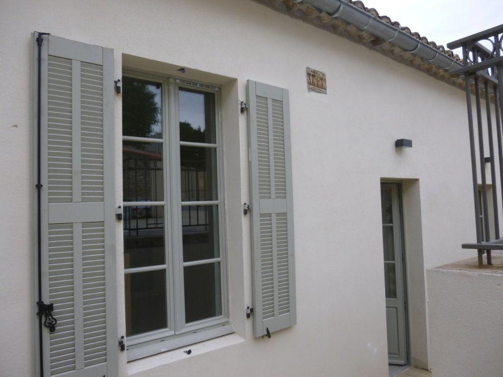 Appartement à louer 2 42.9m2 à Nîmes vignette-7