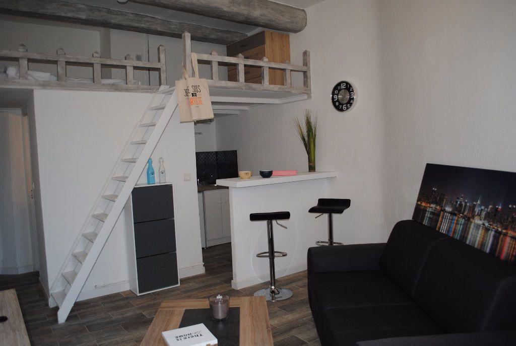 Appartement à louer 1 21.13m2 à Nîmes vignette-4