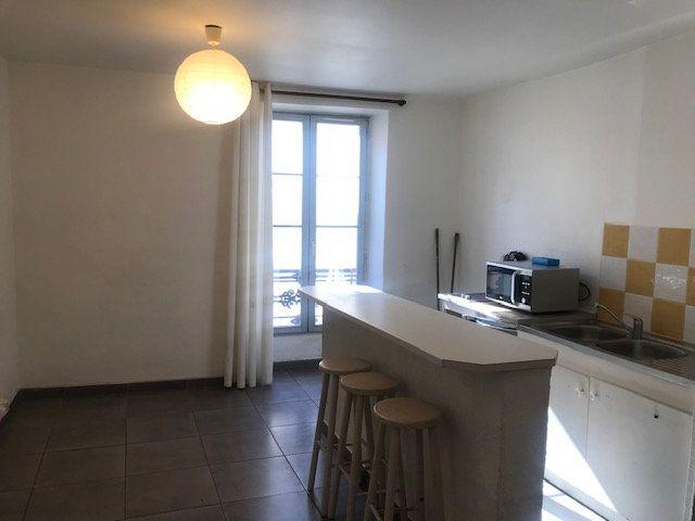 Appartement à louer 2 29m2 à Nîmes vignette-1