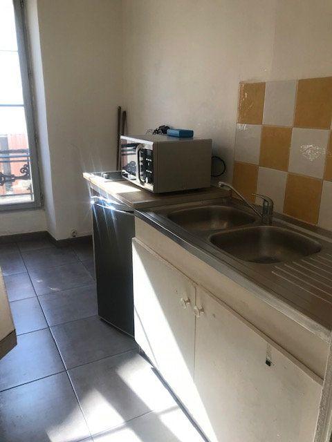 Appartement à louer 2 29m2 à Nîmes vignette-5