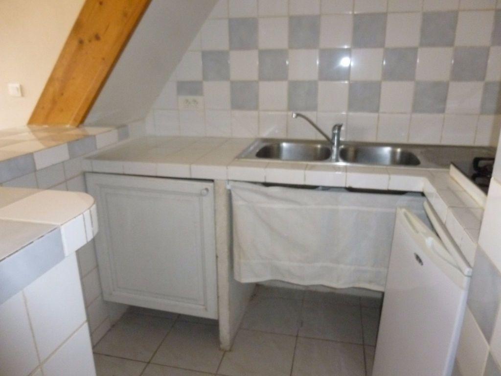 Appartement à louer 2 17.32m2 à Nîmes vignette-3