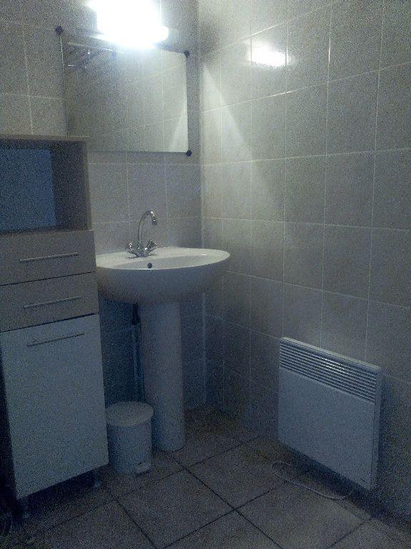 Appartement à louer 2 34.02m2 à Nîmes vignette-5