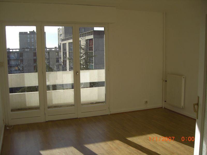 Appartement à louer 3 65m2 à Nîmes vignette-3