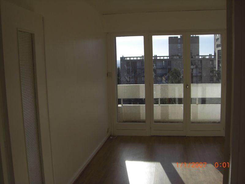 Appartement à louer 3 65m2 à Nîmes vignette-6