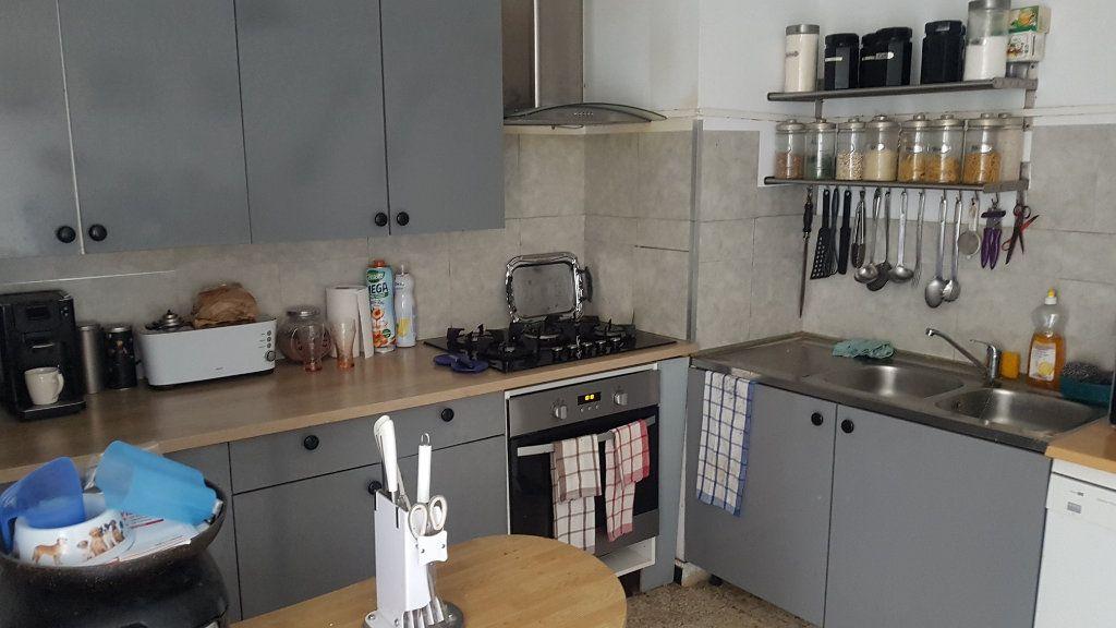 Appartement à vendre 5 85m2 à Nîmes vignette-2