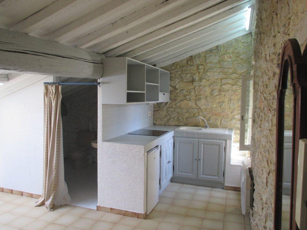 Appartement à louer 1 20m2 à Nîmes vignette-1