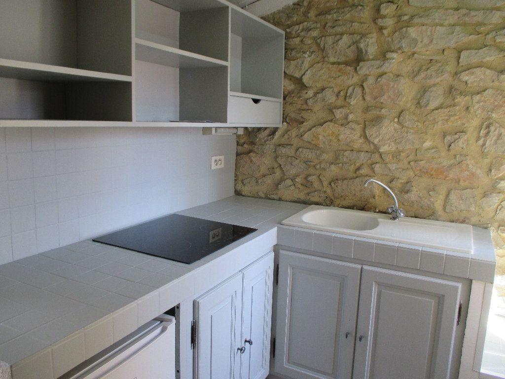 Appartement à louer 1 20m2 à Nîmes vignette-2