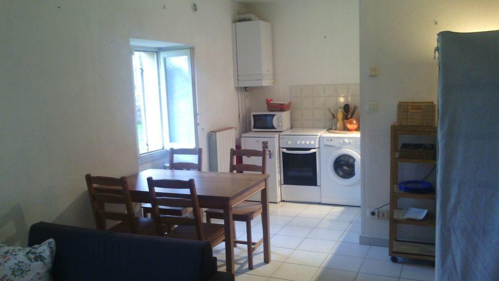 Appartement à louer 1 28.7m2 à Marguerittes vignette-1