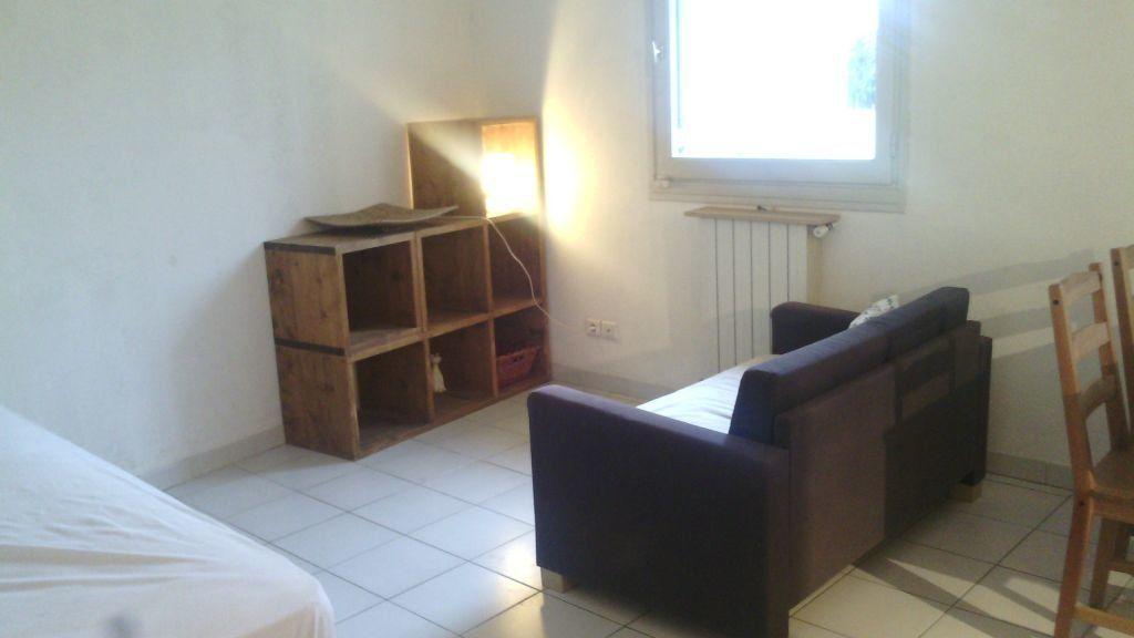 Appartement à louer 1 28.7m2 à Marguerittes vignette-5