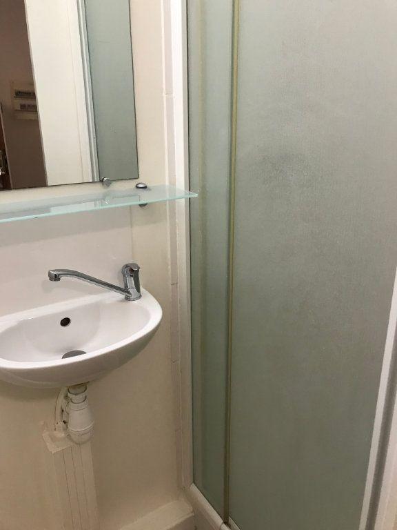 Appartement à louer 1 12m2 à Nîmes vignette-5