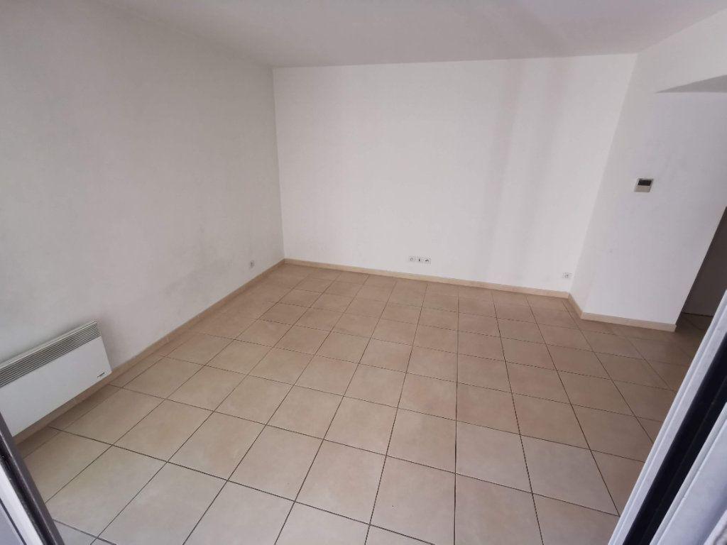 Appartement à vendre 3 63.2m2 à Nîmes vignette-3