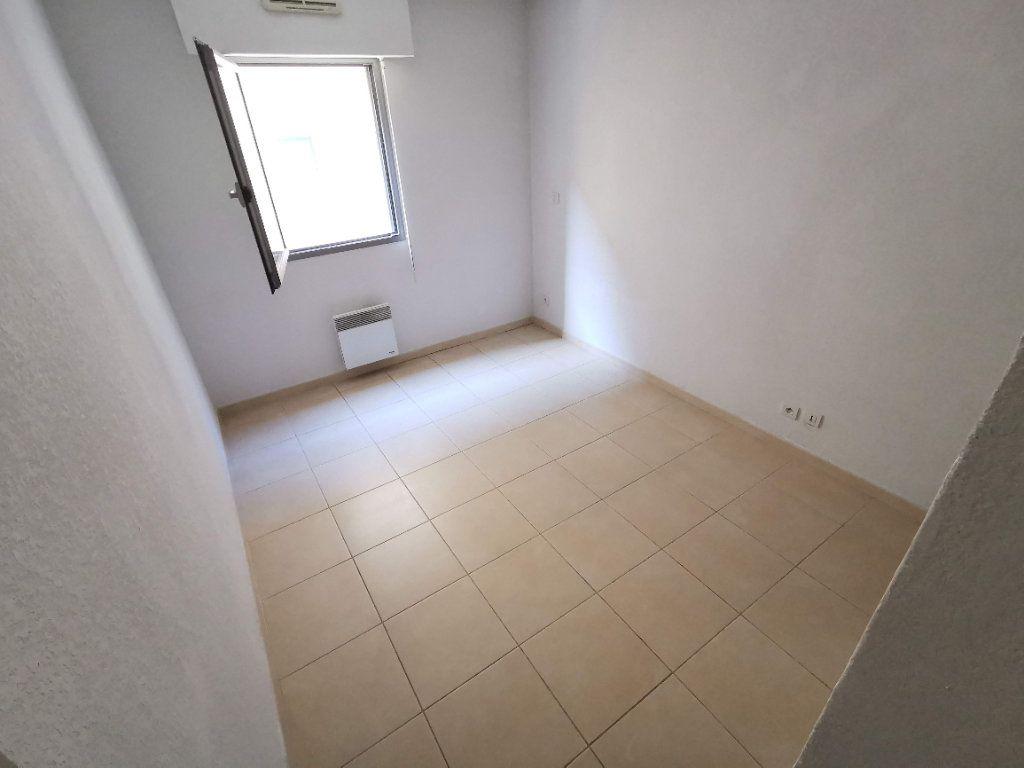 Appartement à vendre 3 63.2m2 à Nîmes vignette-6