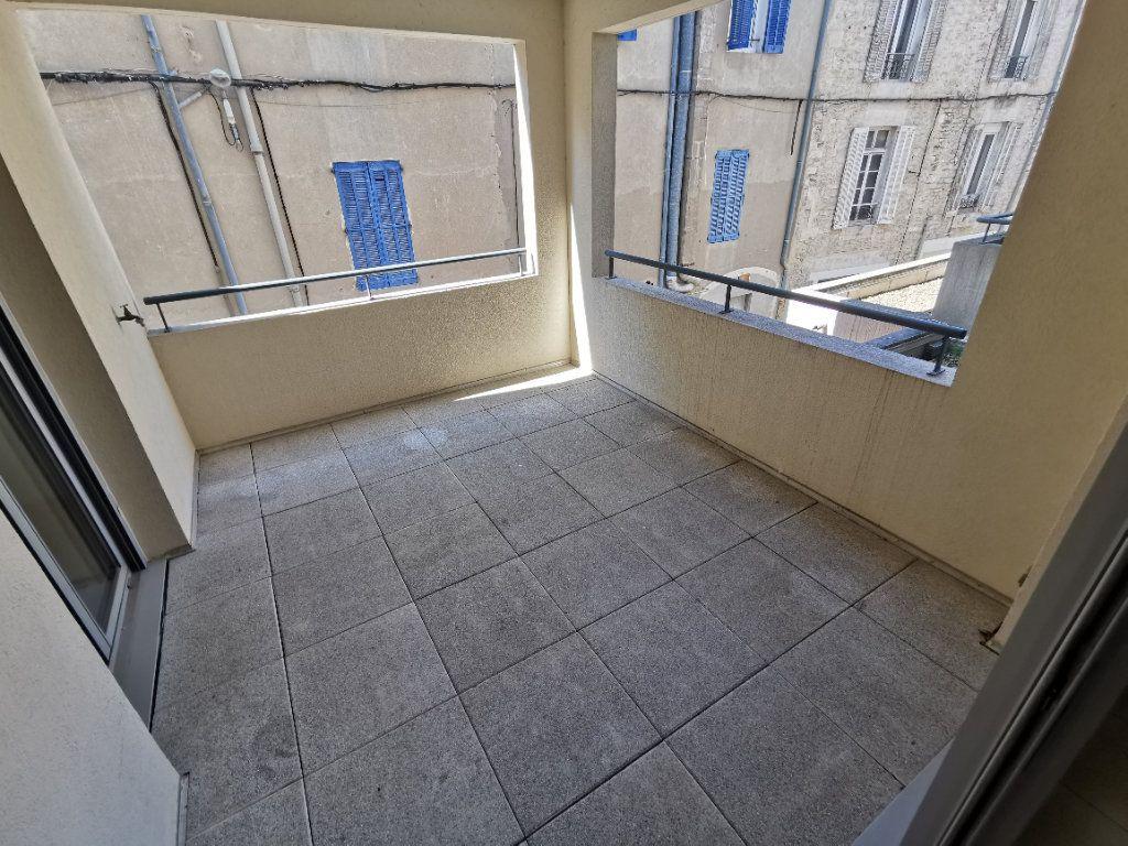 Appartement à vendre 3 63.2m2 à Nîmes vignette-9