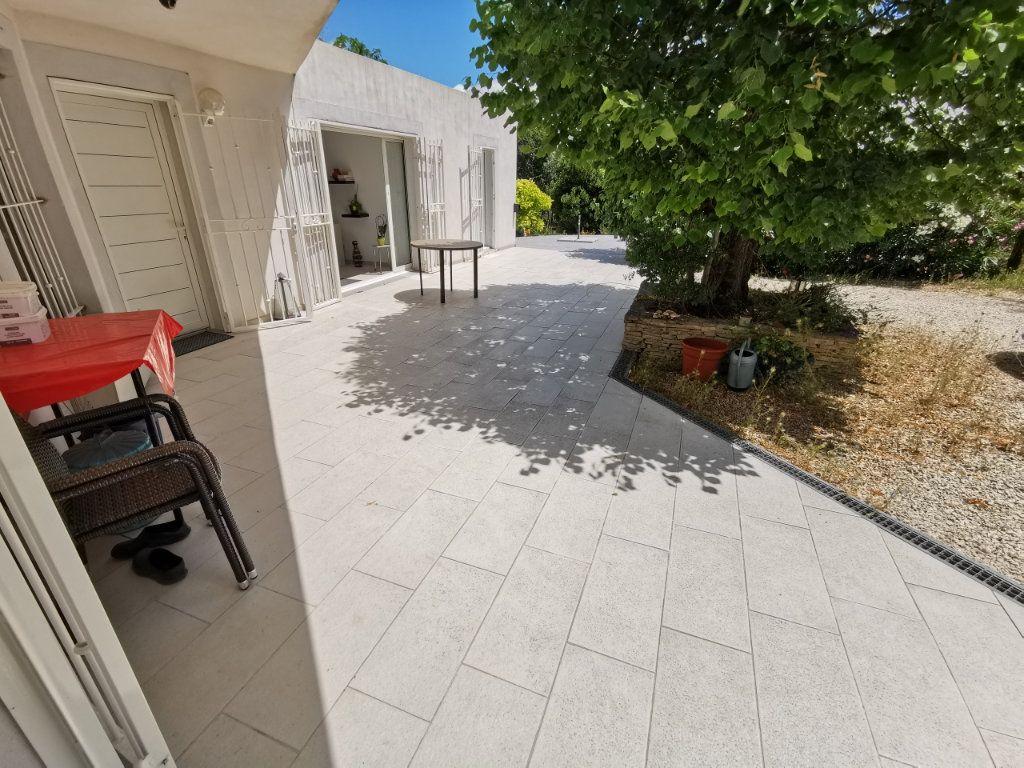 Maison à vendre 7 212m2 à Nîmes vignette-3