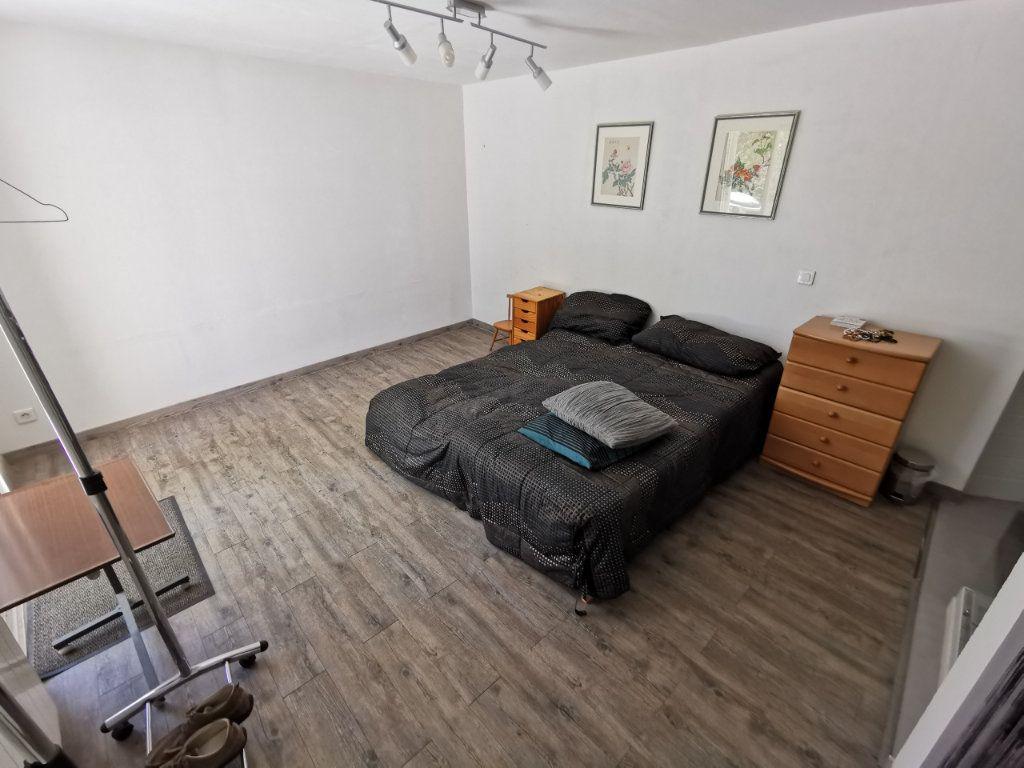 Maison à vendre 7 212m2 à Nîmes vignette-8
