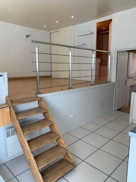 Appartement à louer 1 31.82m2 à Nîmes vignette-3