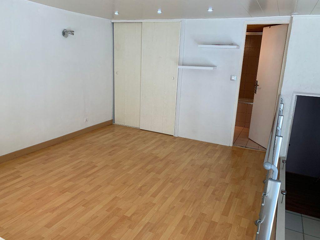 Appartement à louer 1 31.82m2 à Nîmes vignette-7