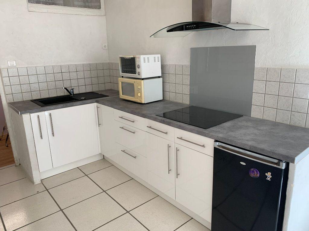 Appartement à louer 1 31.82m2 à Nîmes vignette-9
